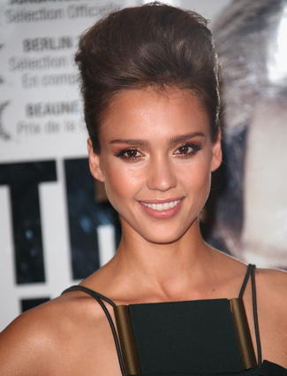 jessica alba short hair updo. jessica alba short hair with