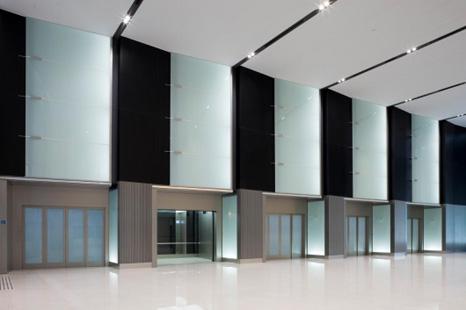 Mitsubishi Electric baru saja selesai memasang 5 buah lift