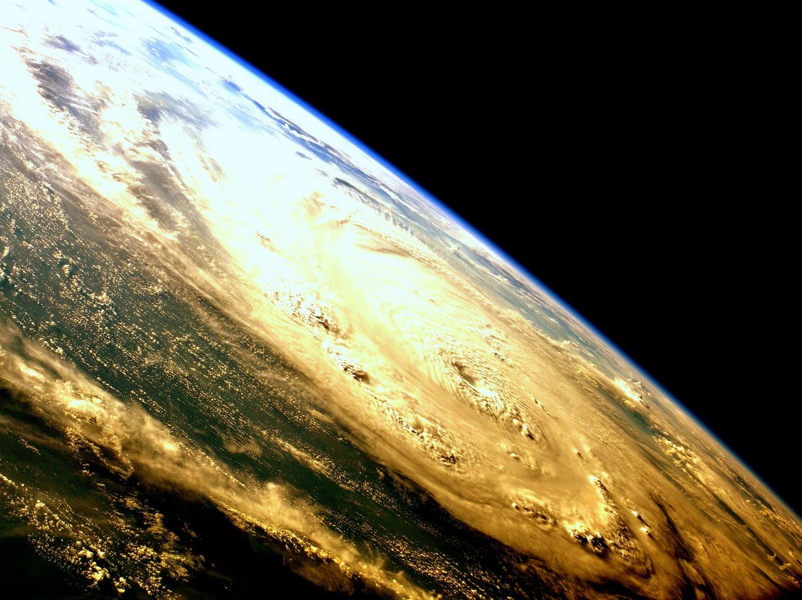 short essay on hurricanes