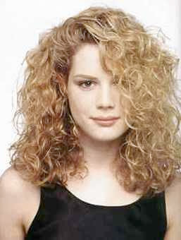 Curly Long Hair, Long Hairstyle 2013, Hairstyle 2013, New Long Hairstyle 2013, Celebrity Long Romance Hairstyles 2031