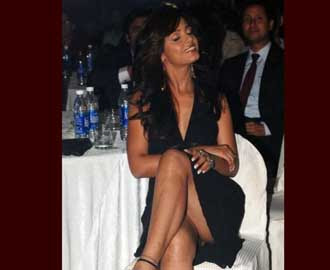 Neetu Chandra without panty show in a function