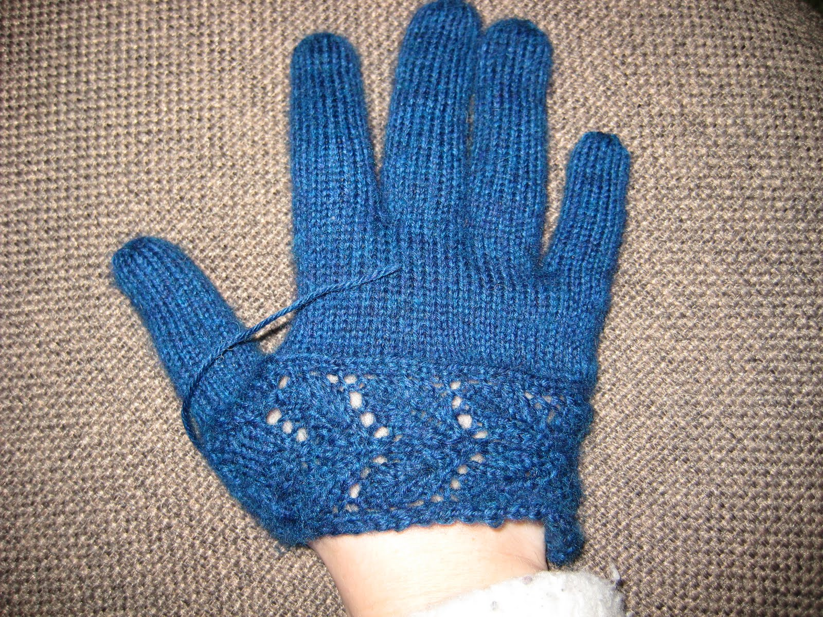 Jennys blog on knitting: (Summer) Home Owners!