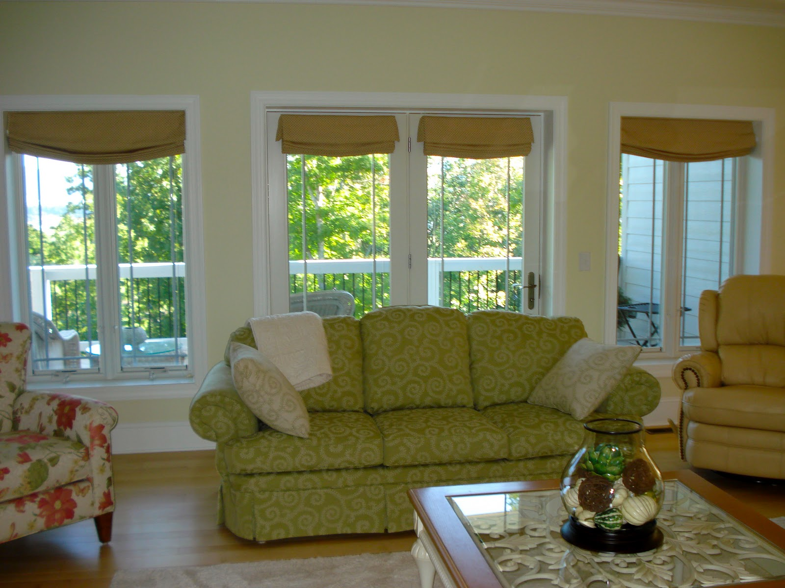 Relaxed Roman Shades for Casual Interiors