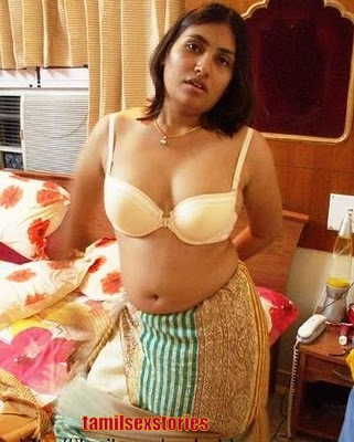 Hot Telugu Bikini still ~ Bollywood Blue