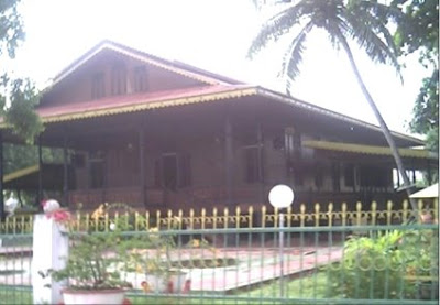 [Rumah+Adat+Gorontalo+(doloupa+).jpg]