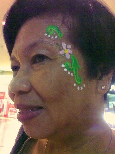 [masskara2009.madame+for+her+profile+pic]