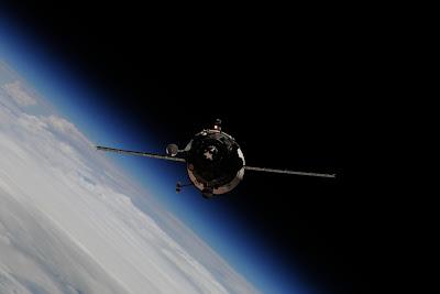 5196844415 6c895f8e9c b Foto Foto Stasiun Luar Angkasa NASA Terbaru 2011