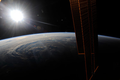 5197445442 b69a8d5da6 b Foto Foto Stasiun Luar Angkasa NASA Terbaru 2011