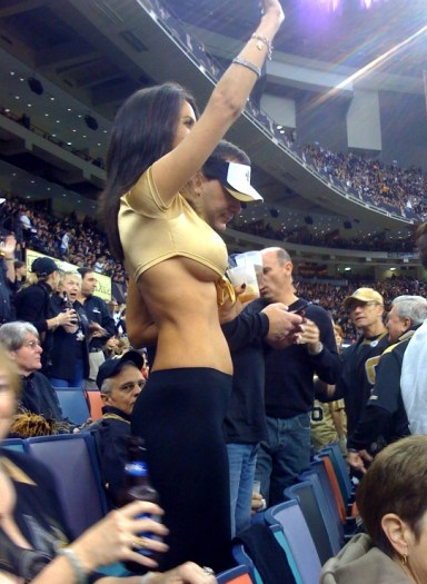 saints_boobs_fan.jpg