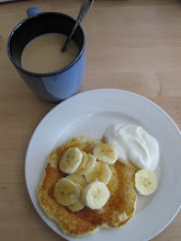pancakes with yogurt and banana
