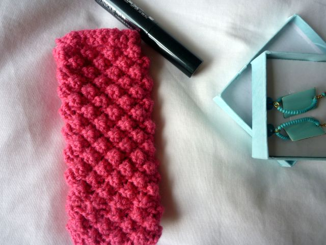 Knitting Patterns For Phone Socks : Seaweed & Raine: Knitted Sock for an Iphone Tutorial