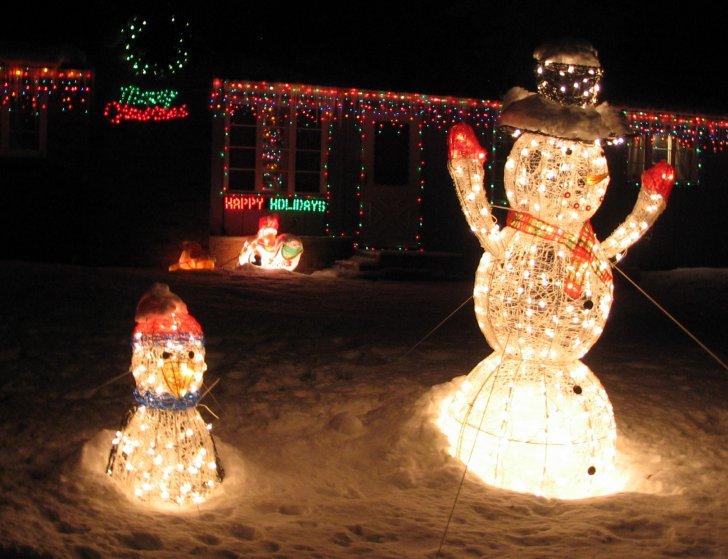 [christmas-lights73.jpg]