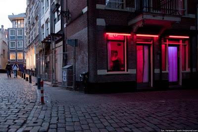 Red Light Districts of Brussels and Amsterdam Seen On www.coolpicturegallery.net