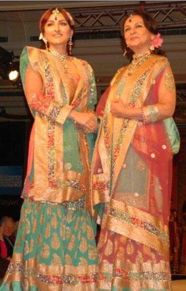 Sharmila & Soha for Ritu Kumar Fashion Show