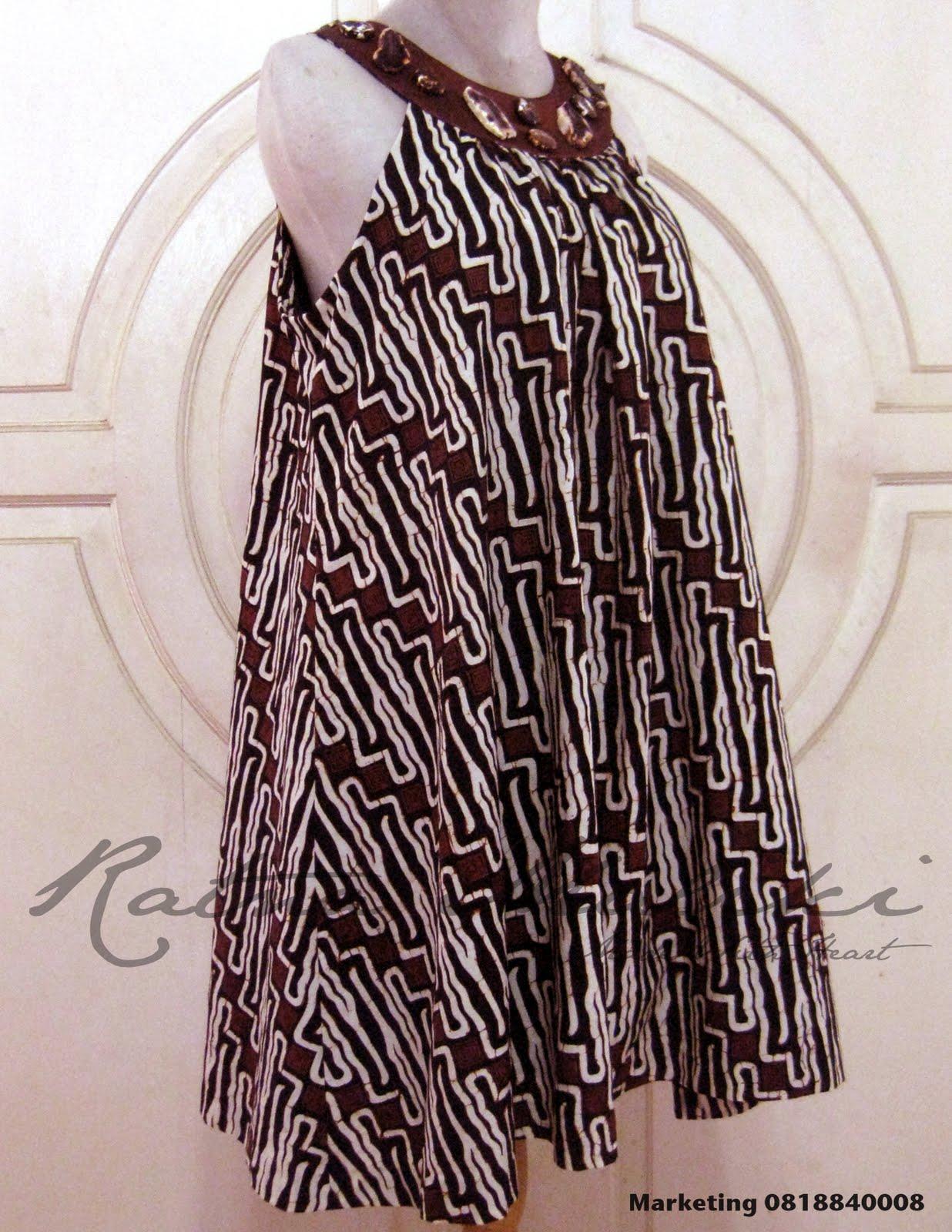 Label: Batik , Gaun Batik