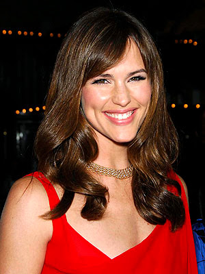 Image of Jennifer Garner wearing pretty red dress