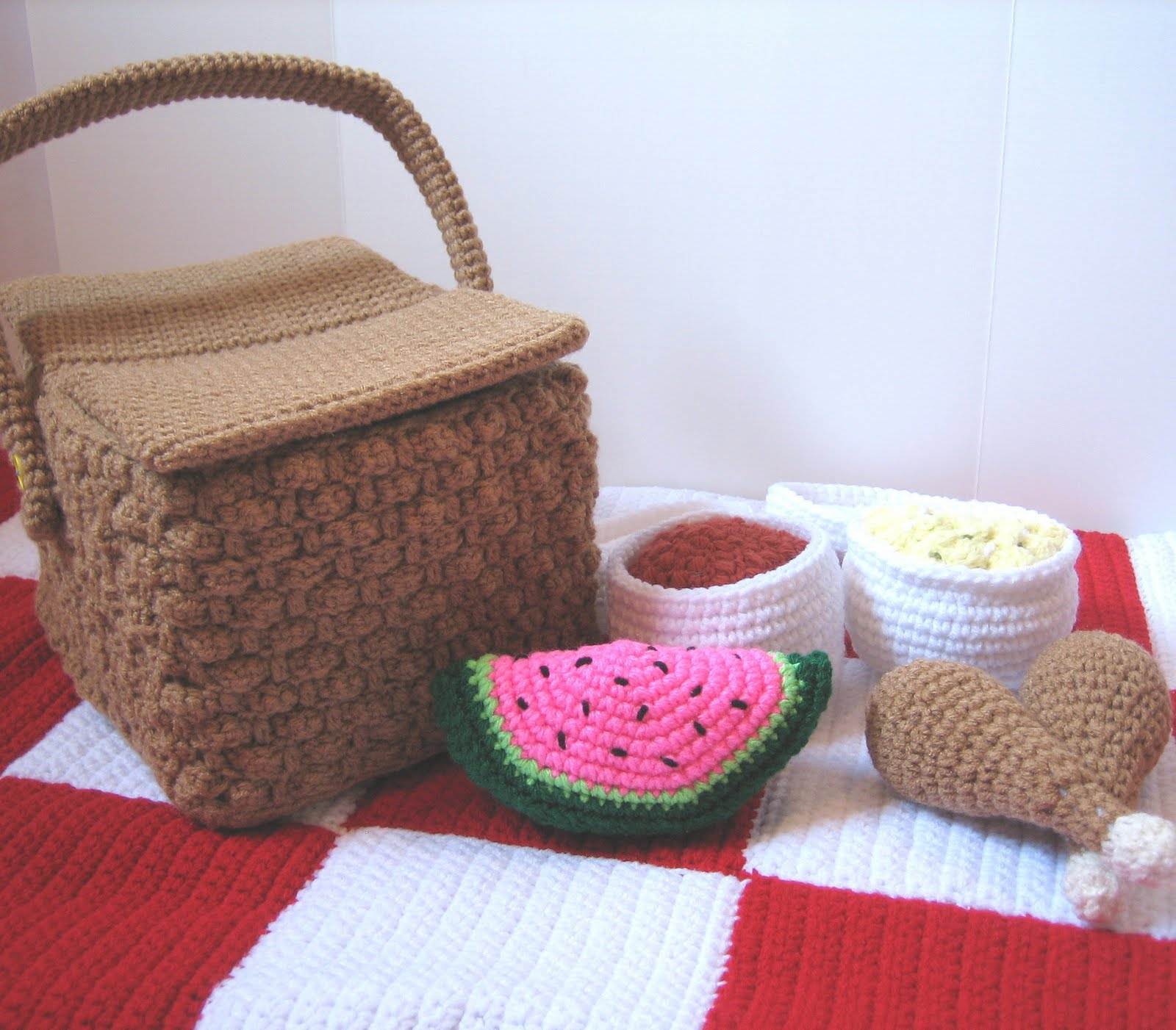 CROCHET N PLAY DESIGNS: New Crochet Pattern: Picnic