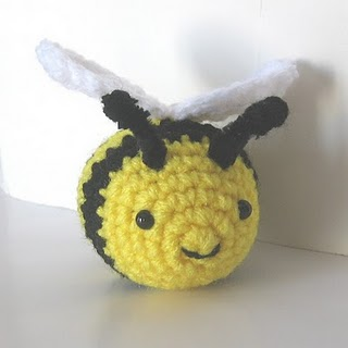 Amigurumi Basic Doll Pattern : CROCHET N PLAY DESIGNS: Free Crochet Pattern: Buzzy Bee