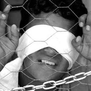 http://3.bp.blogspot.com/_qUFDMUpk9jE/SjV4RaqGxZI/AAAAAAAAUis/te36jv-i2hU/s400/Palestinian_children_in_Israeli_jails.jpg