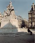 Paris Şehir Merkezi `Yaz uykusu`