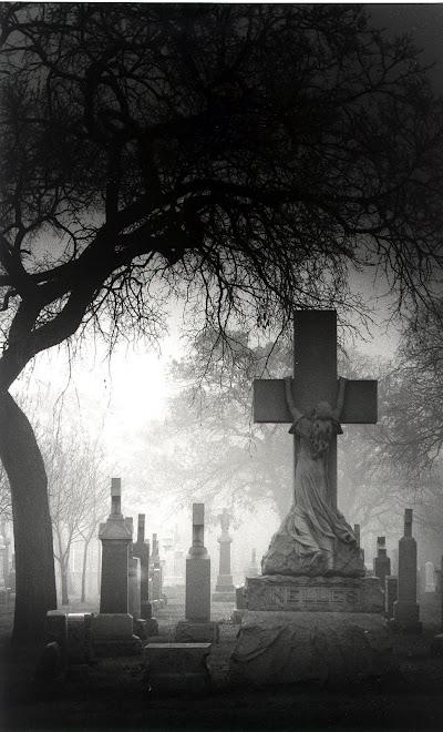 Ölüm Haç ve Genç Kız