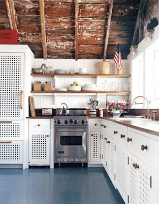Nantucket decor cottage style completely coastal for Nantucket style kitchen