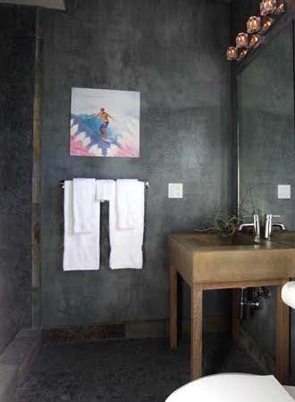 surf art in bathroom