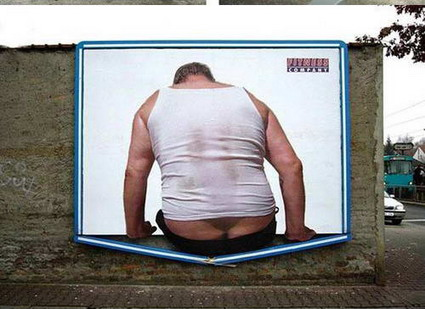 Here are a couple of funny gym advertisements.