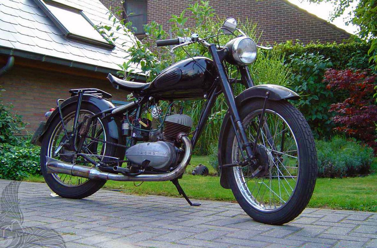 1953 150cc 2-stroke thumper
