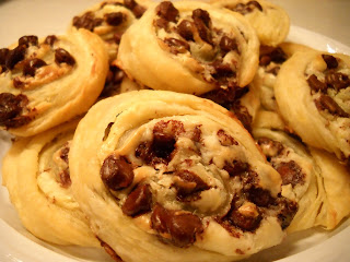 The Toll House Experiment: Cream Cheese-Chocolate Chip Pastry Cookies