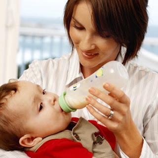 Stérilisation biberon de lait de bébé