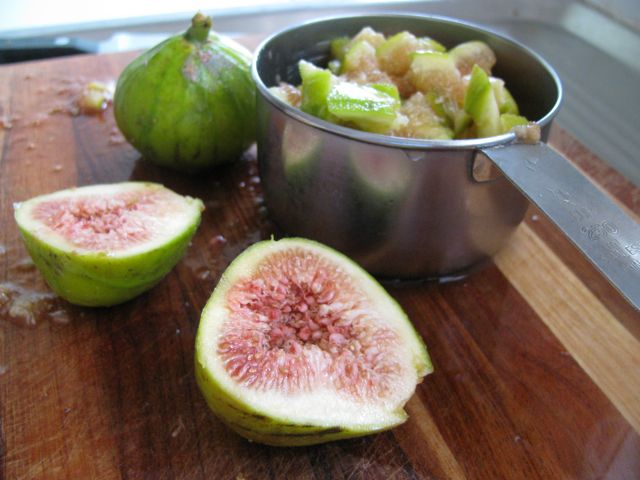 Green Gourmet Giraffe: Fruits of Autumn: figs, rhubarb and walnuts