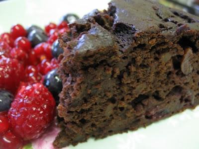 Green Gourmet Giraffe: Chocolate, cherry and chestnut cake
