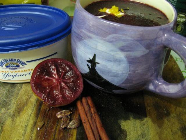 Green Gourmet Giraffe: Blueberry Soup with Heavenly Yoghurt