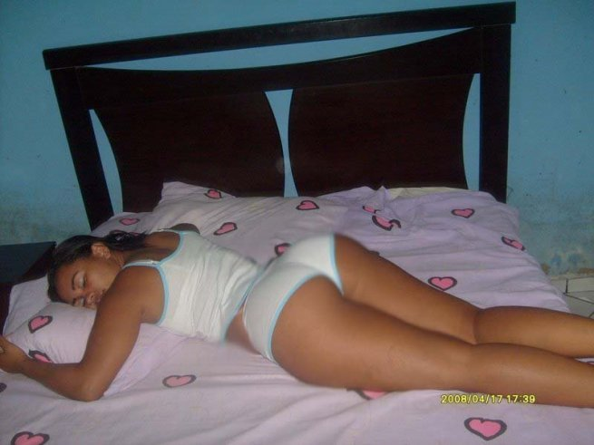 Gata Gostosa Dormindo