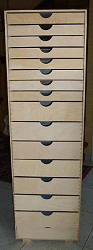 La brolerie un meuble tiroirs for Meuble a tiroirs