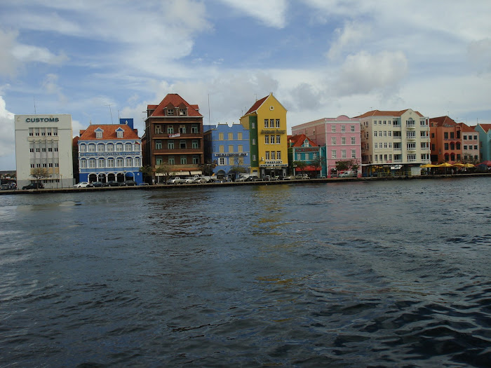 Curacao Shopping