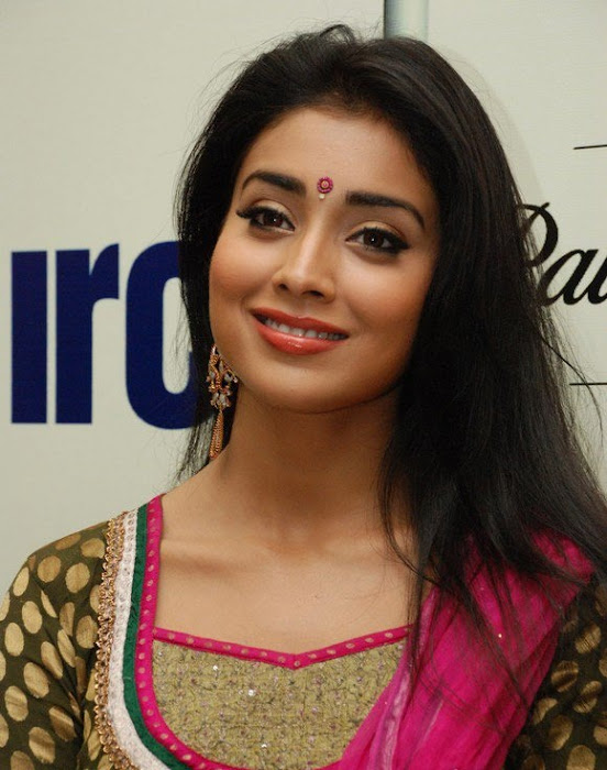 shriya xclusive hot images