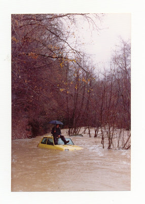 A Renault 5 parked in a part of Vallfogona vulnerable to flooding...
