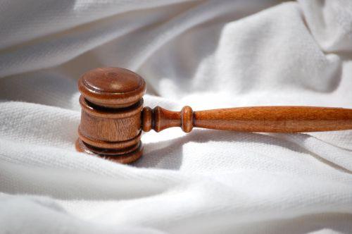College geeft antwoord op gerechtelijke procedures