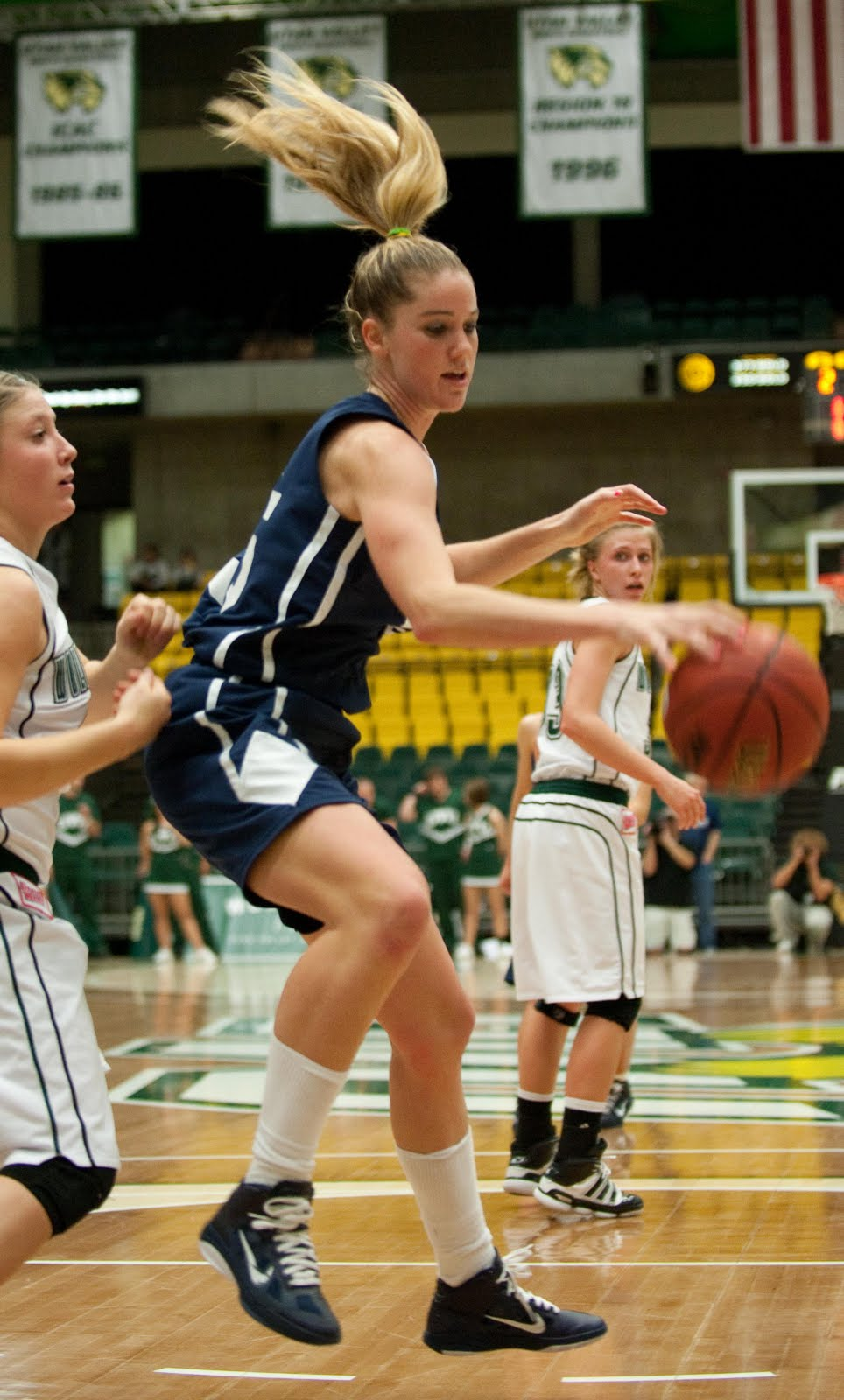 Luke Hansen Photography: BYU Women's Basketball vs. UVU ...