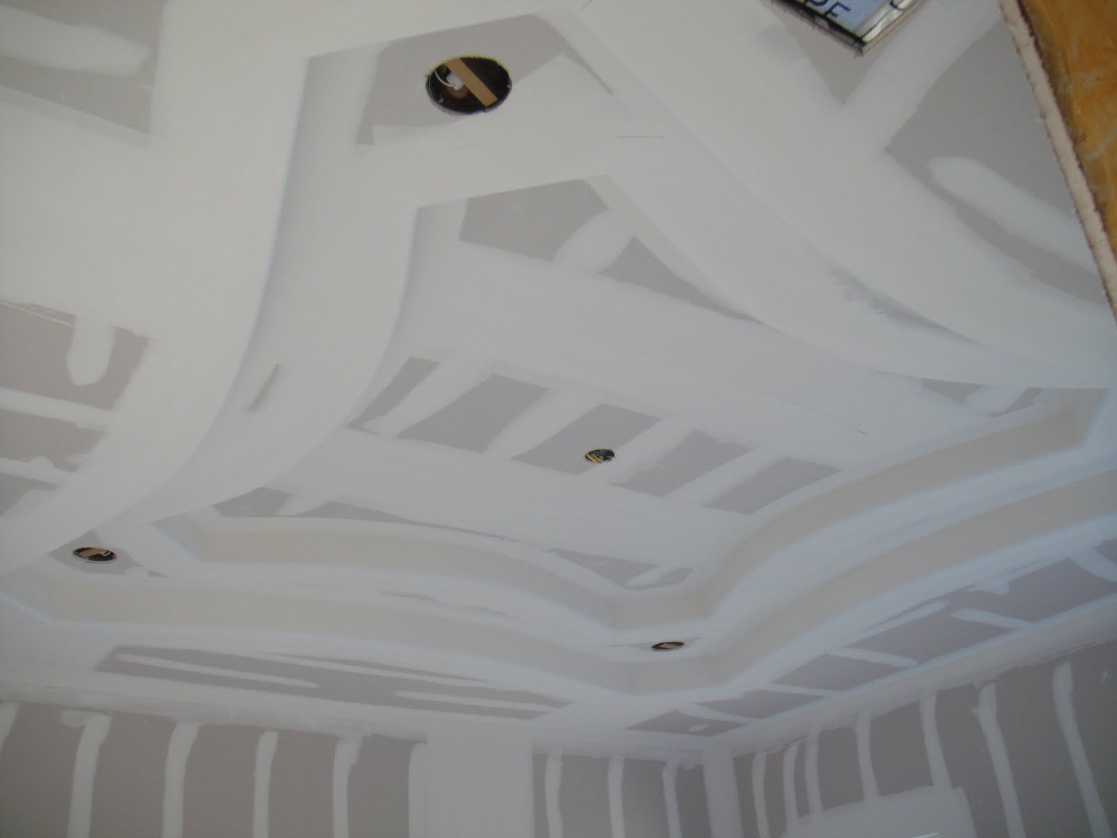 How Use Paper Drywall Tape : Drywall repair instructions using paper tape