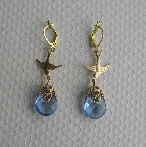 Birds with teardrop earrings