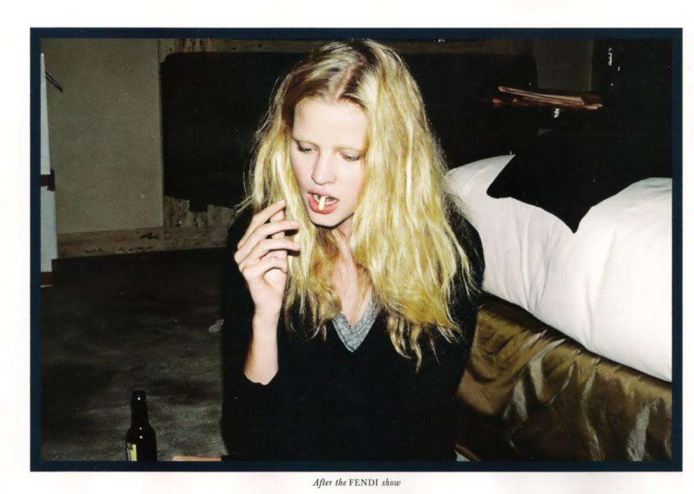 http://3.bp.blogspot.com/_qkGqGNGeb8o/SwGL-mZlmmI/AAAAAAAAALI/IysUqTrpJvg/s1600/lara%2Bstone%2Bsmoking%2BAngelo%2BPennetta%2BLove%2BMagazine.jpg
