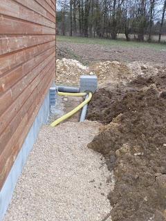 notre maison en bois luant drainage et vacuation eau. Black Bedroom Furniture Sets. Home Design Ideas
