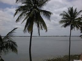 Baia de Maputo,vendo-se a Catembe ao fundo