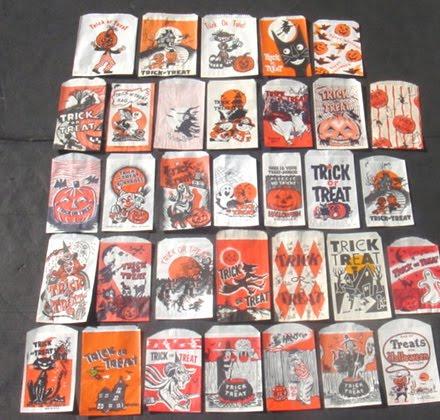 Halloweeniana: 33 Vintage Halloween Paper Treat Bags (date unknown)