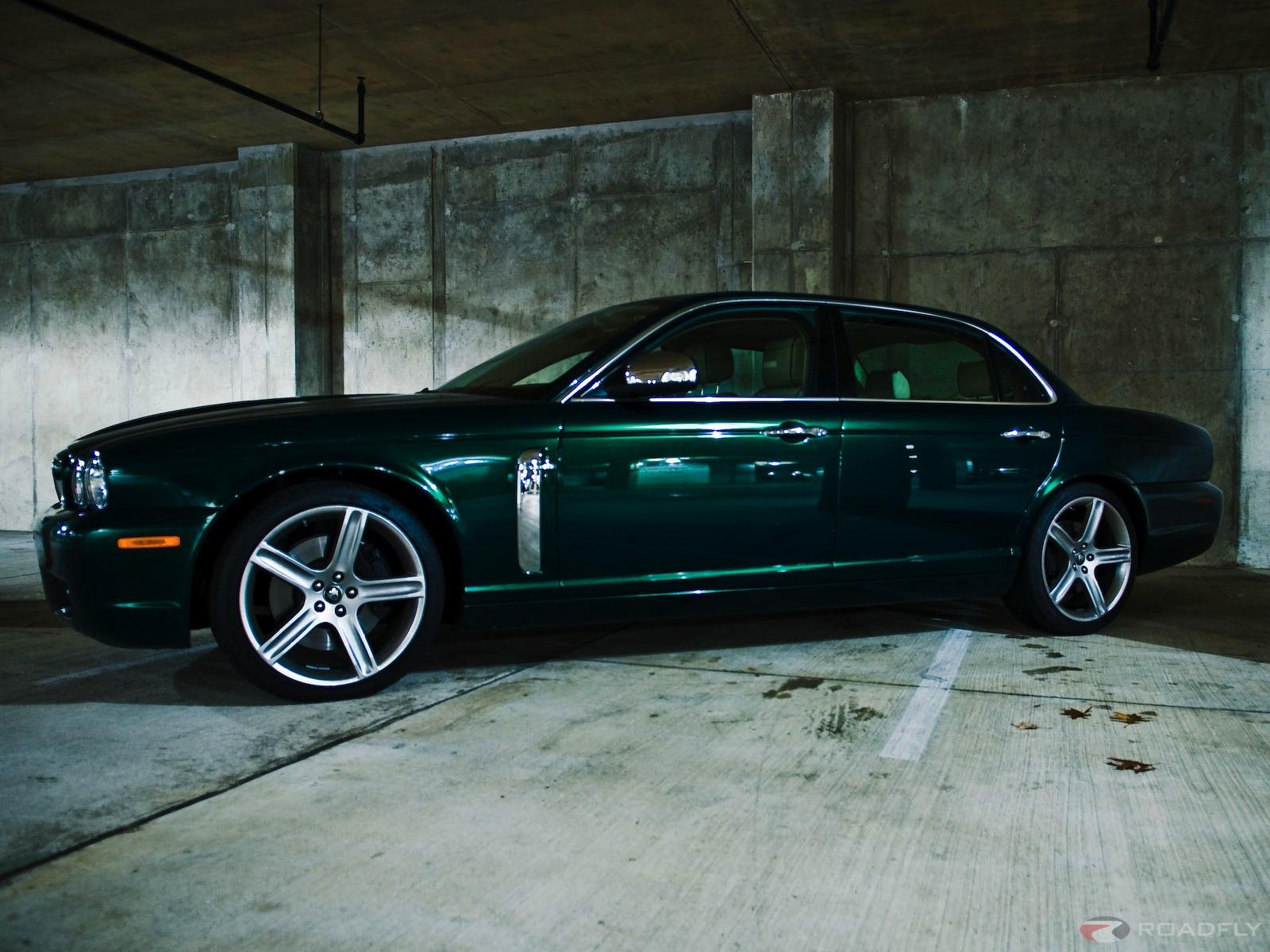 http://3.bp.blogspot.com/_qmwdM_8Ln-Q/S9p7Oao2S7I/AAAAAAAAORs/v4HheqUBVd8/s1600/jaguar-xj-super-v8.jpg
