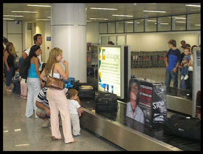 Best of Airport Ad Seen On www.coolpicturegallery.net