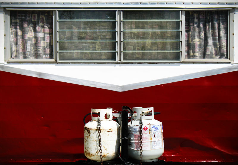 Red and white trailer; click for previous post
